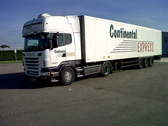 Continental Express with Thermo King SLX   unit