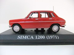 SIMCA 1200 (1971) - ALTAYA (RMJ68) Tags: cars toy 1971 1200 coches juguete simca 143 diecast ixo altaya