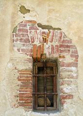 Fenster (MKP-0508) Tags: window fenster tuscany weathered toscana toscane fentre toskana verwittert