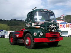 TV03325-Bakewell (day 192) Tags: truck lorry bakewell lorries s20 foden vintagelorry transportrally classiclorry fodens20 preservedlorry bakewellspectacular youngsheavyhaulage lyo188d