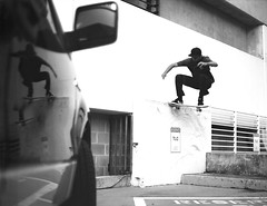Chris Blake- nose wallride to noseslide (bertwootton) Tags: chris bw white black 120 film analog orlando skateboarding florida 5 medium format blake wallride boro noseslide etrs etrsi etr bronic