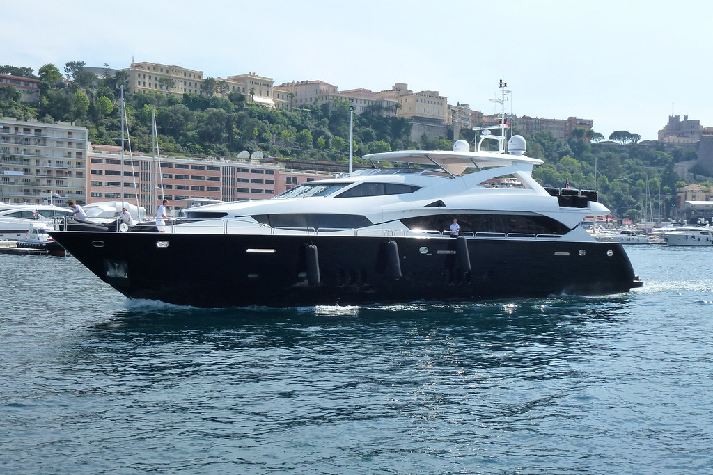 Black & White (Sunseeker 34M Yacht)