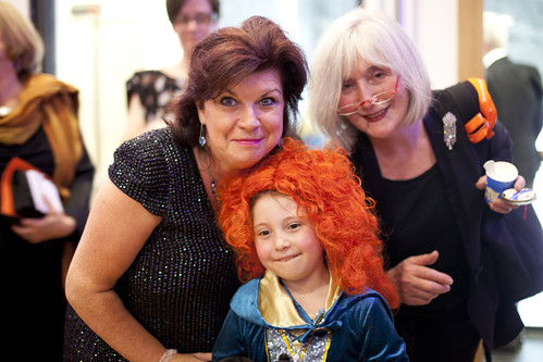 Elaine C. Smith and Leslie Hills at the Drinks Reception at the Surgeon's Hall