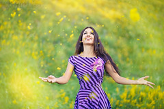 Espiga floral ([]NEEL[]) Tags: flowers portrait woman girl smile happy meadow brunette
