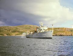 Irish Naval Service LÉ Gráinne CM10 armed maritime patrol vessel - Baltimore, Cork (edk7) Tags: nikkormat ft2 slide edk7 197806 eire ireland countycork baltimore harbour government ship rock water cm10 m634 1978 armed maritime patrol vessel irishnavalservicelégráinnecm10armedmaritimepatrolvessel