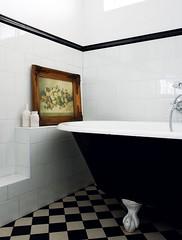 A vintage home (Muriel Alvarez) Tags: house home kitchen vintage bathroom grey gris swan chairs retro couch collection sofa decor deco mistert canapé déco kitsh idéesdéco décoraton blogdéco