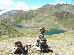Estanys de Tristaina 2 (Laura.BDN) Tags: paisajes naturaleza lake agua natura lagos nubes andorra montaas montagnes pirineos nwn hitos circdetristaina estanydelmig estanydemsamunt
