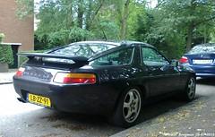 Porsche 928 S4 automatic 1989 (XBXG) Tags: auto old classic netherlands car vintage germany deutschland automobile den nederland denhaag voiture hague german porsche automatic 1989 haag paysbas s4 deutsch ancienne 928 the porsche928 allemande