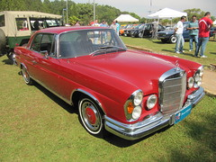 Mercedes Benz 280 SE Coupe (KMDLH) Tags: red classic car mercedes benz antique mercedesbenz carro coupe antigo 280 clssico 280se parquechicomendes abcexpocar vabcexpocar