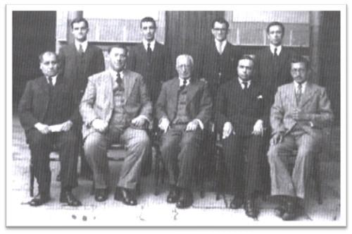 Hermanos de 1937 vestidos de particular