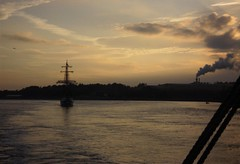 Waterford pilotage (breganze981) Tags: ireland pilotage waterford dusk sunset tallship stavrossniarchos princewilliam 2002 voyage ship sea colv merseyside police