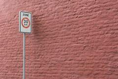 Zone 30 km (Jan van der Wolf) Tags: map154190vve sign verkeersbord 30 wall muur minimalism minimalistic minimalisme perspective perspectief bricks bakstenen