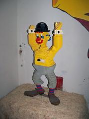 OH Bellaire - Toy & Plastic Brick Museum 150 (scottamus) Tags: bellaire ohio belmontcounty roadsideattraction toyplasticbrickmuseum lego exhibit display statue sculpture