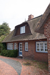 Brick house with thatched roof (quinet) Tags: 2014 eckernfoerde germany haus schleswigholstein strohdach house maison toitdechaume