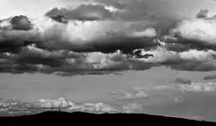 mont d'or (Max.photographies) Tags: sky contrast nikon 105 nikkor 18 nuage ai ais d5000