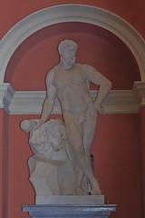 641-05L (Lozarithm) Tags: stourhead nt art sculpture kx sigma 70300 sigmaaf70300mmf456apodgmacro