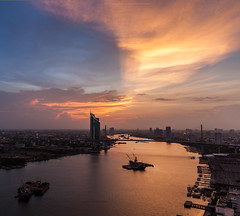 Beautiful Sky (Weerakarn) Tags: city sunset sky river landscape thailand twilight cityscape dusk bangkok bkk chaophraya beautifulsky kbank ramaixbridge   weerakarn