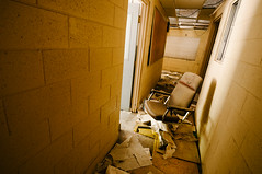 ruined (Sam Scholes) Tags: building abandoned yellow trash digital hall utah office garbage chair nikon mine tan mining hallway coal officechair hiawatha d300 kingcoal kingmine usfco unitedstatesfuelcompany