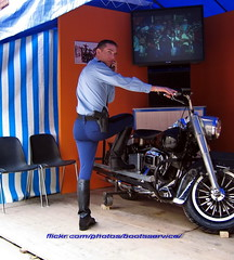 bootsservice2005 0594 R (bootsservice) Tags: paris uniform boots motorcycles motorbike gloves moto motorcycle uniforms bottes motard motos uniforme gendarme motorcyclists motards gendarmerie uniformes gants riding boots garde rpublicaine