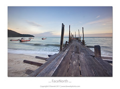 ... faceNorth ... (liewwk - www.liewwkphoto.com) Tags: above morning light sun sunrise canon island day or horizon first lee malaysia penang rise filters ascent mii 日出 mark2 telukbahang gnd 1635l pulaupinang leefilter graduatedneutraldensity 5dmark2 canon5dm2 liewwk httpliewwkmacroblogspotcom wwwliewwkphotocom 刘永强 wwwliewwkphotocomblog