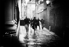 one day in Cambridge (Nassia Kapa) Tags: uk cambridge people blackandwhite bw walk strangers nn englabd nassiakapa