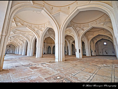 Arches -3, Jama Masjid, Bijapur, Karnataka (Mukul Banerjee (www.mukulbanerjee.com)) Tags: world light india heritage history classic tourism archaeology monument beautiful architecture photography photo ancient nikon asia arch pics indian south muslim islam traditional tomb wide mahal arches mosque tourist retro worldheritagesite photographs empire burial historical tradition dslr karnataka masjid wonders emperor medival bharat islamic worldheritage southindia southasia adilshah 1541 d60 sigma1020mm northkarnataka historicindia bijapur wondersoftheworld golgumbaz banerjee historicalindia nikond60 indianheritage ibrahimrauza hindusthan medivalindia bymukulbanerjee mukulbanerjee mukulbanerjee  mukulbanerjeephotography mukulbanerjeephotography wwwmukulbanerjeecom wwwmukulbanerjeecom