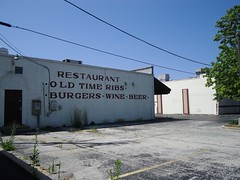 old time ribs (randoymwalks) Tags: old abandoned restaurant illinois time parking lot des ribs plaines