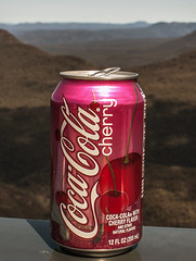 Cherry Coke (pandawizard) Tags: blue mountains prime pentax sigma coke bluemountains cocacola ist ds2 30mm cherrycoke matchpointwinner