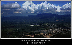 Hay un Pas en el Mundo!!! (There's a Country in the World!!!) (Carlos E. Gmez) Tags: photoshop flickr dominicanrepublic sony united country picasa award aerialview alpha cs4 carlzeiss vistaarea repblicadominicana cibao photoshopcs4 1680mmf3545za flickrunitedaward slta55v sonyalphaslta55v carlzeiss1680mmf3545zalens