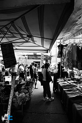 mercato (mrpistons (Giuliano)) Tags: bianco nero bn bw mercato street view domodossola ossola italy contrasto