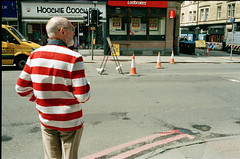 (Adam Mays) Tags: street film filmphotography streetphotography kodak kodakfilm 35mm edinburgh scotland repetition
