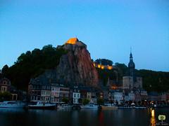 La Citadelle de Dinant (Ath Salem) Tags: dinant belgique meuse belgium belgie fleuve soirée citadelle namur namen fort fortification guerre royaume mondiale eglise