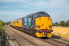 37602 Beckingham ~ 23/8/16 (deltic17) Tags: directrailservices drs class37 37602 networkrail train testtrain countryside canon canon5dmk3 sunny mk2 mk3