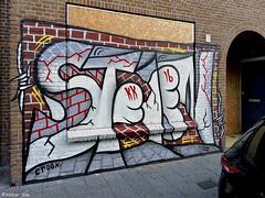 Den Haag Graffiti : STEEN (Akbar Sim) Tags: steen denhaag thehague agga holland nederland netherlands graffiti schuttingtaal schilderswijk akbarsim akbarsimonse