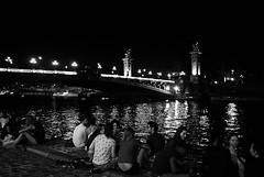 (Honey Bfly) Tags: paris france francia sena seine rio river noche night nocturna monocrome monocromo bn blancoynegro blackwhite nikond60