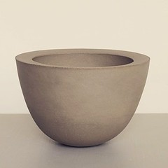Unique vessel by Ann Jansson. Part of the Austere exhibition opening September 22 at Berg Gallery on Birger Jarlsgatan 67 in Stockholm, Sweden. (BergGallery) Tags: contemporary ceramic vessel stoneware annjansson minimalism minimalistic austere exhibition vernissage materialbased art