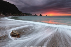 SILENCIO (II) (Obikani) Tags: silencio playa beach sea seascape landscape rocks sun water clouds sunset amazing ocean shore coast coastline shoreline light beauty novellana cudillero asturias spain espaa canonikos