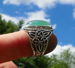 Fachea  Poetry in Green  Chrysoprase set in sterling silver fairy ring (leespicedragon) Tags: irish green art stone silver poetry wing goddess jewelry ring fairy trinity handcrafted sterling celtic fay forged gem lapidary triquetra cabochon chrysoprase fachea