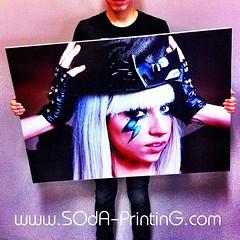 ของขวัญจากแฟนคลับไทย ถึง Lady gaga Born this way live in Bangkok #SOdAprinting