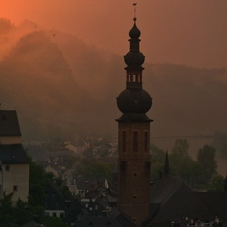 Sankt Martin rises dramatically above Township of Cochem