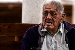 Tamale tamale (Vctor Bautista) Tags: portrait island vendedor gente retrato per anciano dragan isla abuelo paracas tamale efecto draganizer
