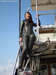 Wetsuited Beauty (Black1001b) (mixnuts club) Tags: fetish scuba diving rubber diver wetsuit wetsuits frogwoman divinggirl rubbersuits