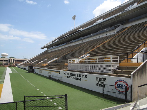 Carlisle-Faulkner Field at M. M. Roberts Stadium, Hattiesburg (Miss.), 27 July 2012