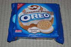 Cinnamon Bun Oreo (Like_the_Grand_Canyon) Tags: sandwich cookie usa us california kalifornien aliso viejo san diego