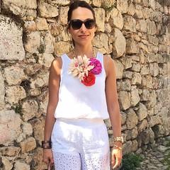 Floripondia!!!!!! #detallesqueenamoran #collares #maxicollares #blogger #fashionblog #blogger #instamood #tagsforfollow #tagsforfollow #tagsforlike #totalwhite #instagram #inspiration #streetstyle #moda #fashion (elblogdemonica) Tags: ifttt instagram elblogdemonica fashion moda mystyle sportlook springlooks streetstyle trendy tendencias tagsforlike happy looks miestilo modaespaola outfits basicos blogdemoda details detalles shoes zapatos pulseras collar bolso bag pants pantalones shirt camiseta jacket chaqueta hat sombrero