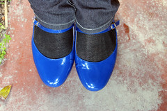 Comparing the Blues - the Shoes (Unusual Stylings) Tags: unisex freedressing jeggings meninjeggings guyinjeggings menwearingjeggings manwearingjeggings guywearingjeggings maninjeggings shoes strapshoes twinstrapshoes twinstrapflats maryjanes meninmaryjanes maninmaryjanes maryjaneshoes meninmaryjaneshoes maninmaryjaneshoes guyinmaryjanes menwearingmaryjanes manwearingmaryjanes guywearingmaryjanes guyinmaryjaneshoes menwearingmaryjaneshoes manwearingmaryjaneshoes guywearingmaryjaneshoes patent patentleather patentshoes patentblackshoes patentmaryjanes patentmaryjaneshoes patentstrapshoes patenttwinstrapmaryjanes patenttwinstrapmaryjaneshoes