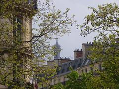 Niebla en Pars (mahatsorri) Tags: blue red white paris france tower blanco azul rojo europa europe torre tour eiffel bleu gorria francia pars urdina zuria