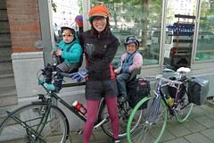 kyoko-p1-p2-bike-touring- departing (@WorkCycles) Tags: holland netherlands amsterdam bike bicycle kids children toddler antique henry kyoko touring p2 groenehart workcycles papafiets