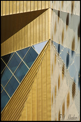 _FDA7492 reflection in gold (fd_alsaker (on and off)) Tags: reflection graphic grafik architektur trondheim clarion spiegelungen