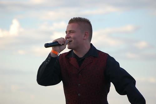 Singing under the Antelope Valley Skies